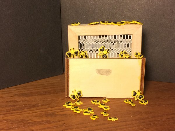Plath bee box